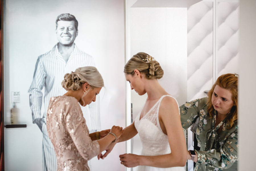 Braut Getting Ready Hochzeit Landhaus Spatzenhof Marilyn Monroe Suite